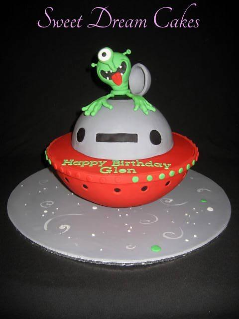 Supercool Aliens Themed Cakes Beautiful Ideas Of Alien Cake