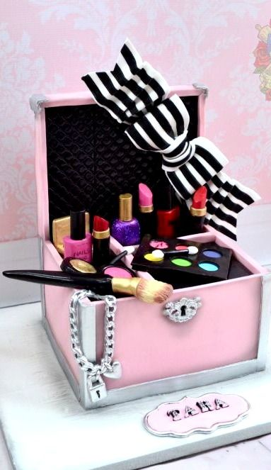 Some Cool Makeup Themed Cakes Cake Ideas Cake In Gurgaon